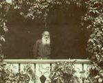 Л.Н. Толстой на террасе Яснополянского дома